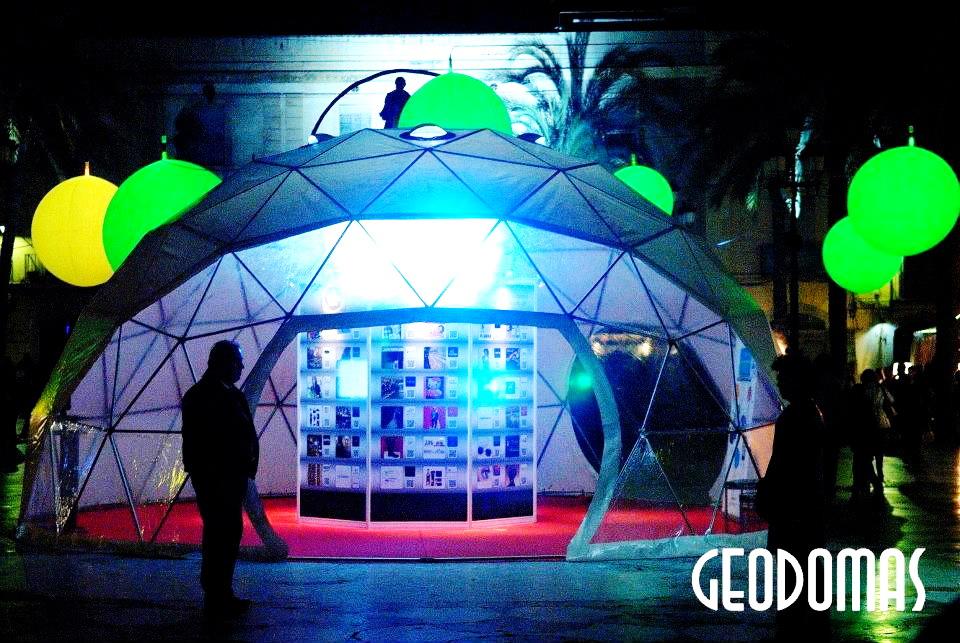 Portable Ø8m dome for Viu Comercial Mall   Vilanova, Spain