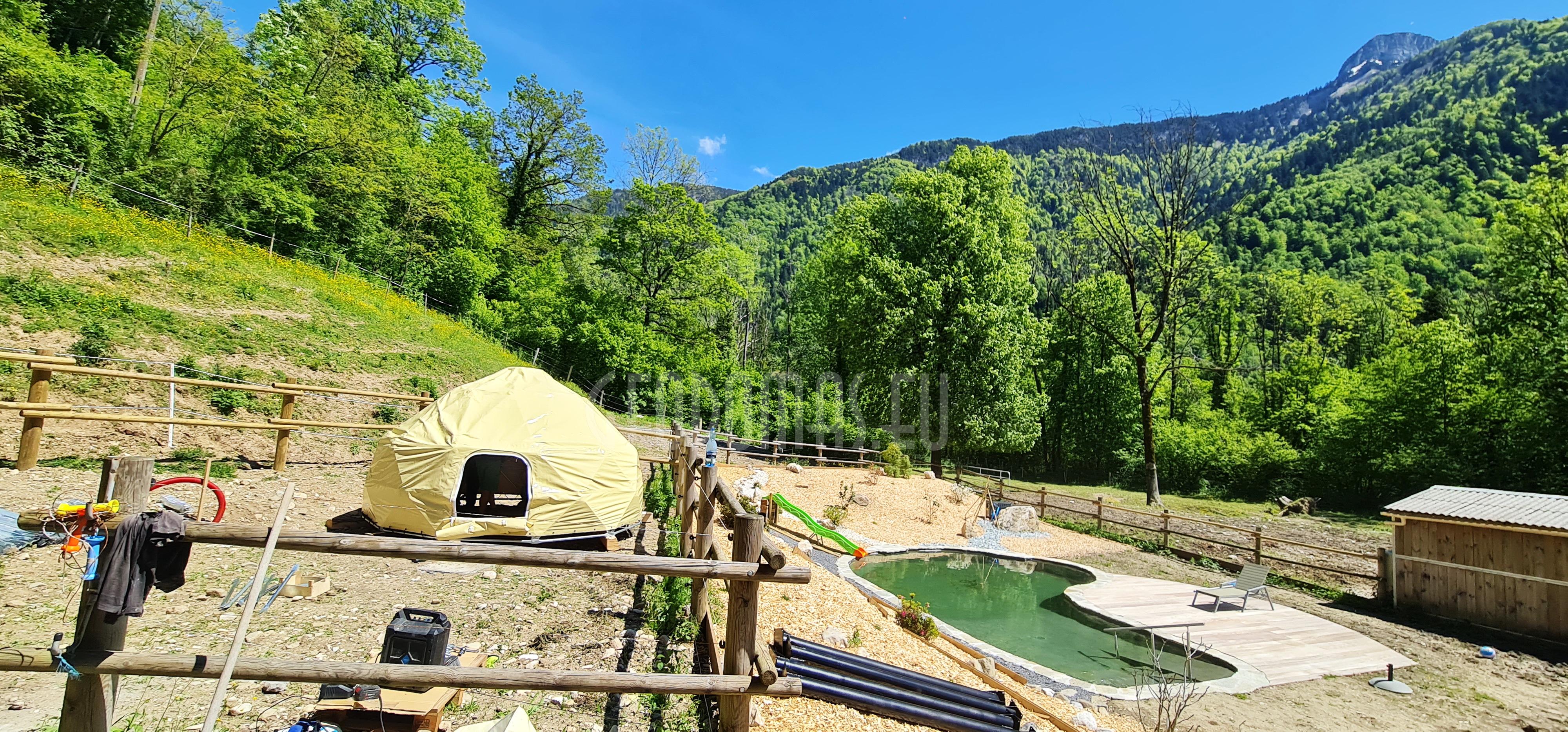 GRYSTAL DOME @ Au Bois du Moulin Village, France